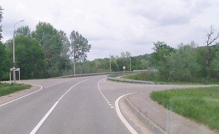 Мост через реку Курджипс в поселке Гуамка