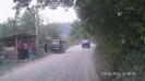 Торговля ягодами и домашними закатками у дороги на Черноречье