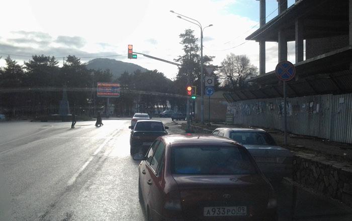 Дорога через Карачаевск на Домбай, перекресток