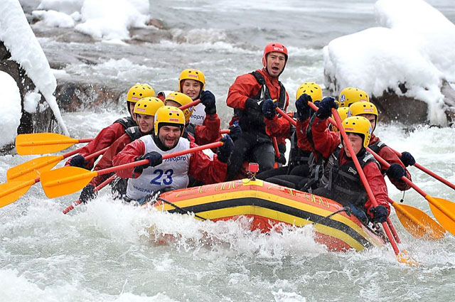 Зимний рафтинг река Белая, Адыгея