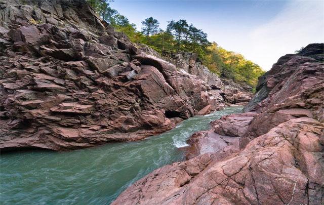 Гранитный каньон река Белая, Адыгея
