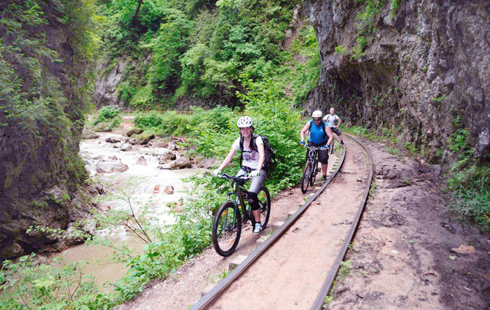 Маршрут Мезмай, Гуамское ущелье в Адыгее