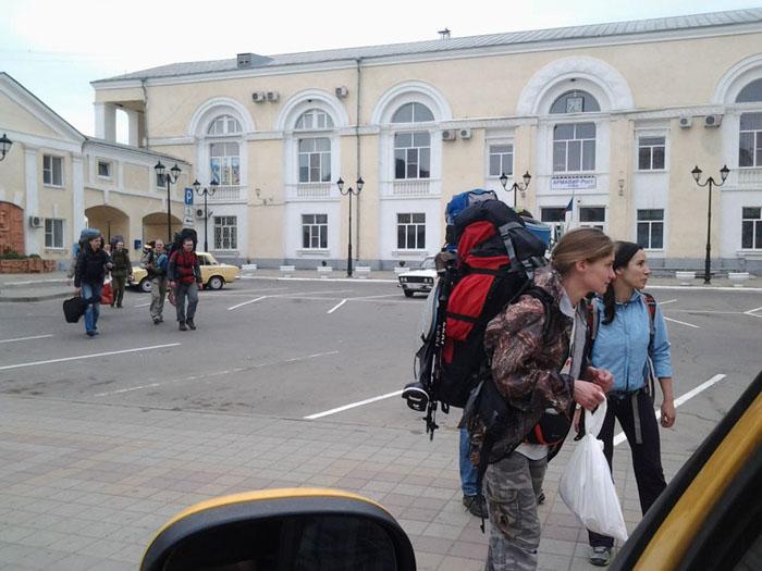 Встреча вокзал Армавир перед трансфером, заброской Новопрохладное